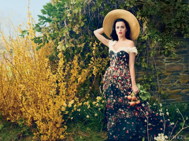 katy-perry-by-annie-leibovitz-for-vogue-us-july-2013-3