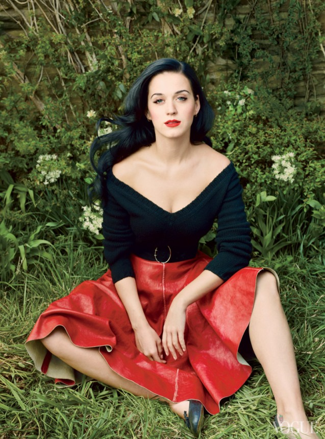 katy-perry-by-annie-leibovitz-for-vogue-us-july-2013-4