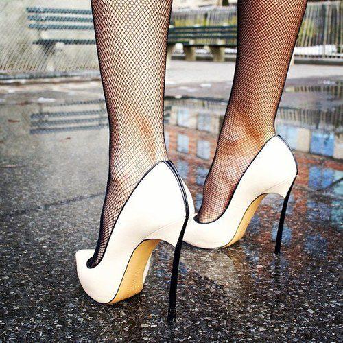 Ulyana Sergeenko- Street Style.20
