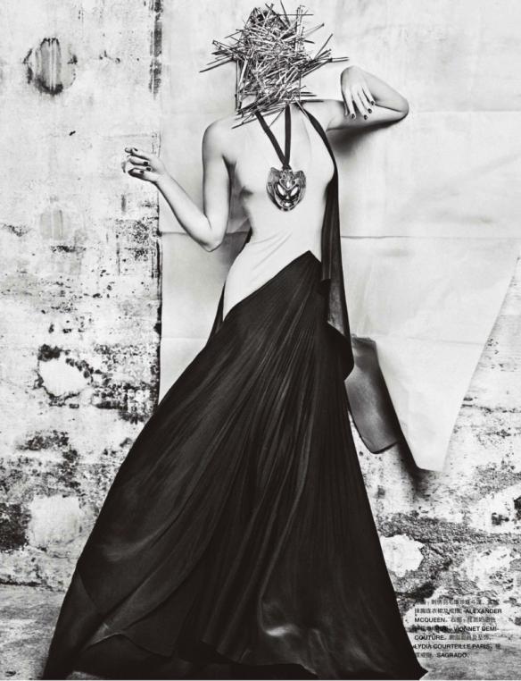 Toni Garrn By Txema Yeste For Numéro China #34 November 2013.3