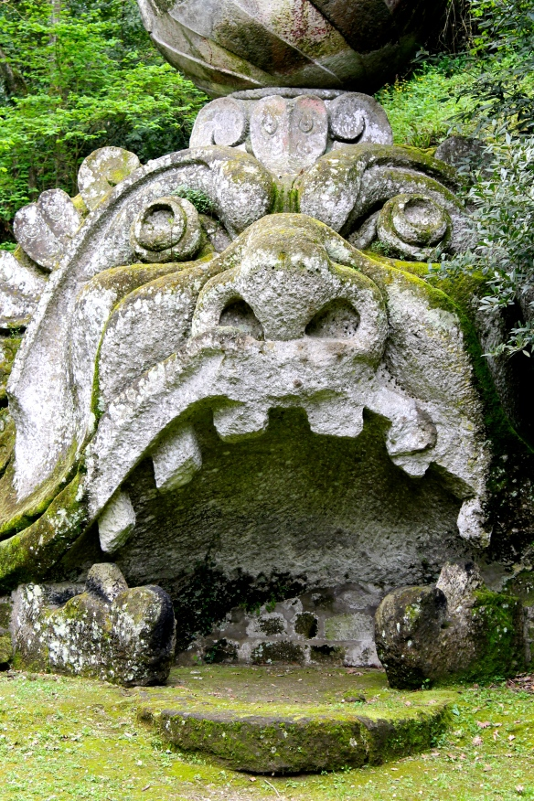monsters-park-bomarzo-italy-10