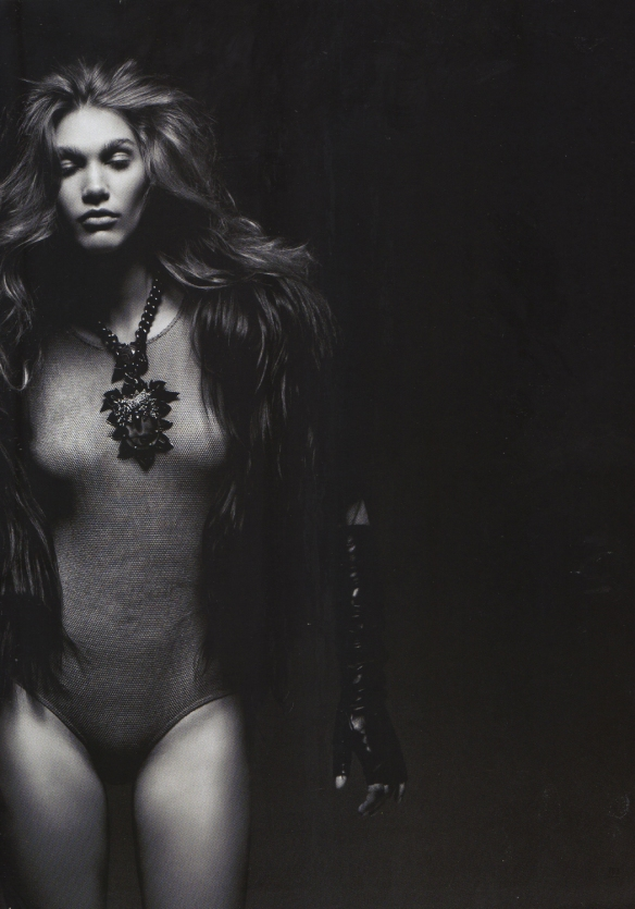 Irina Nikolaeva by Vladimir Vasilchikov L'Officiel Russia-3